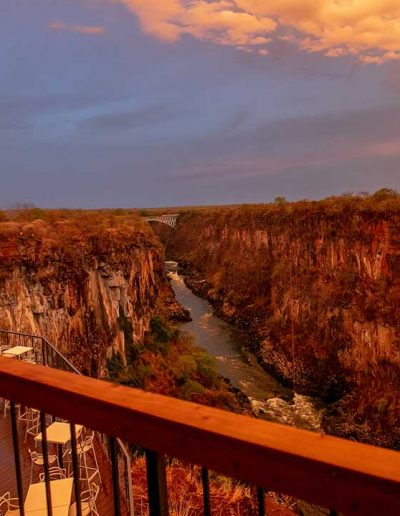 slider-lookout-cafe-victoria-falls-dining-view-2019