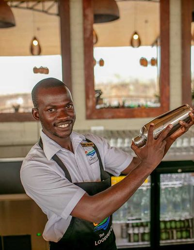 lookout-cafe-barman-2019